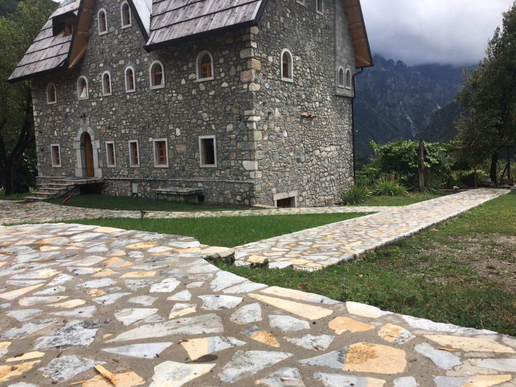 villa gjecaj guesthouse